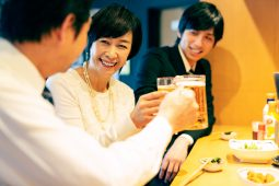 Drinking with Japanese colleagues phot