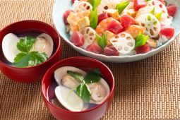 Chirashi zushi and hamaguri no osuimono image